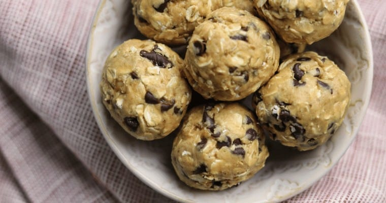 No Bake Oatmeal Peanut Butter Protein Bites