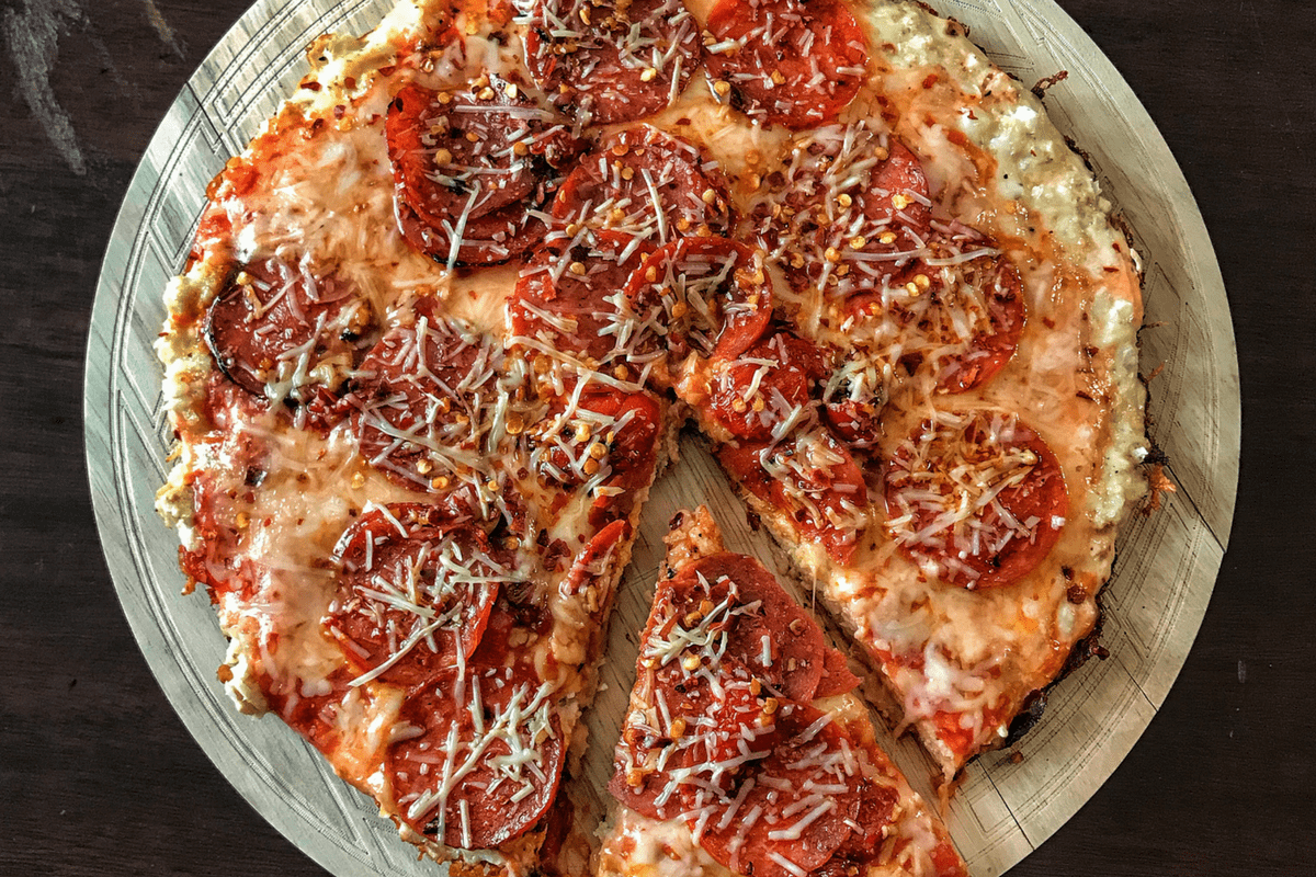 90-Calorie Stovetop Skillet Pizza Recipe: High Protein and Low Carb