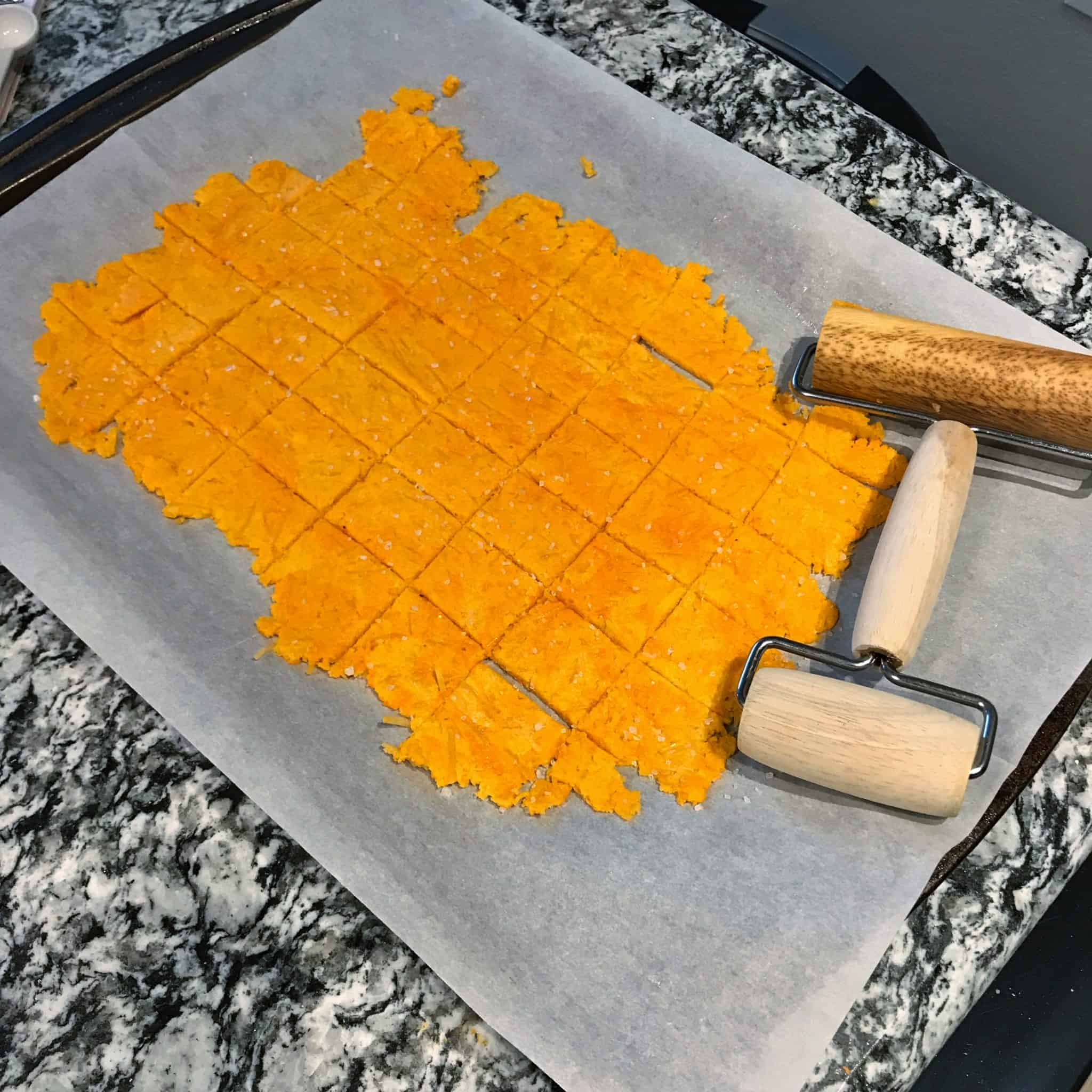how to make low carb cheez-it crackers