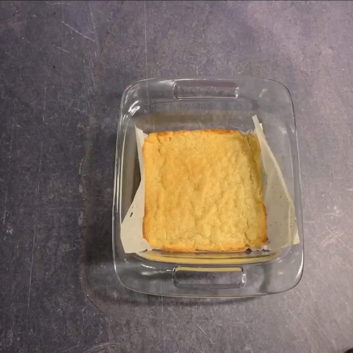 baked almond flour crust