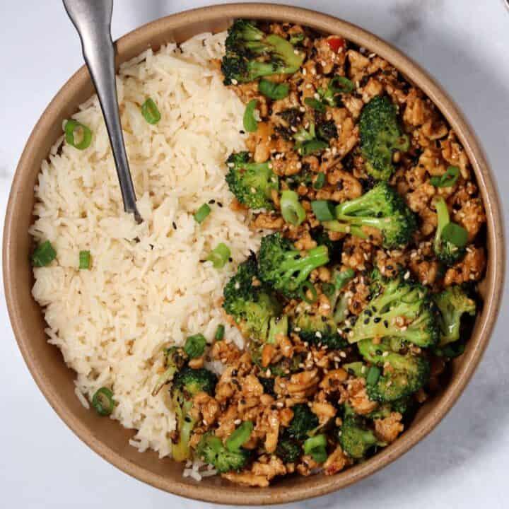 Honey Sriracha Ground Chicken and Broccoli