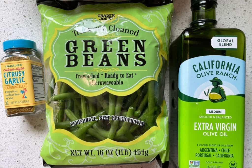 trimmed green beans, trader joe's citrusy garlic seasoning, and olive oil